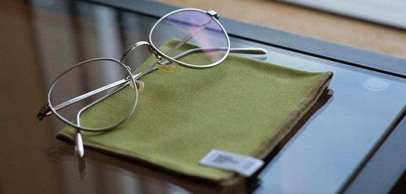 Чем протирать очки от запотевания фото