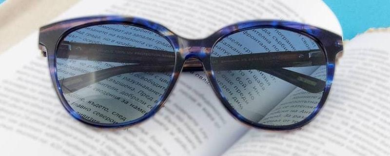 солнечные очки с синей оправой фото
