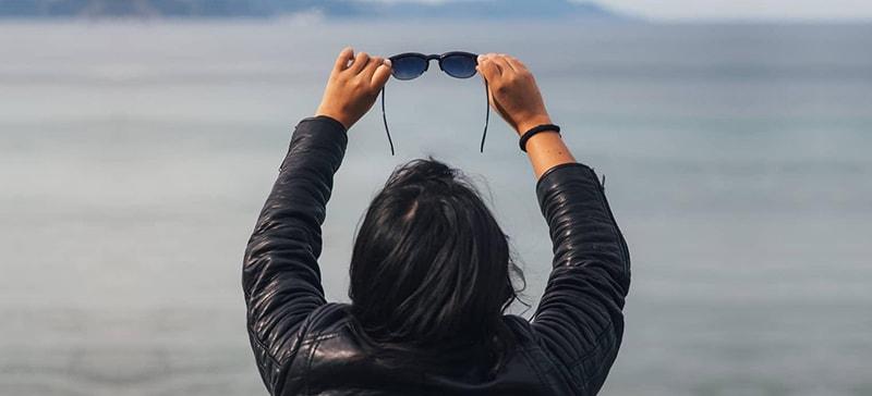 вредно ли ходить в солнцезащитных очках фото