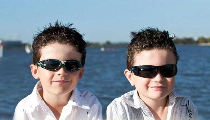 Солнцезащитные очки для детей с поляризацией фото