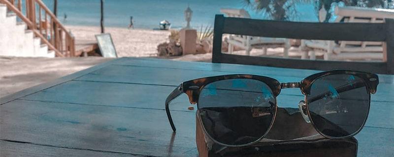 Выбор очков для пляжа фото