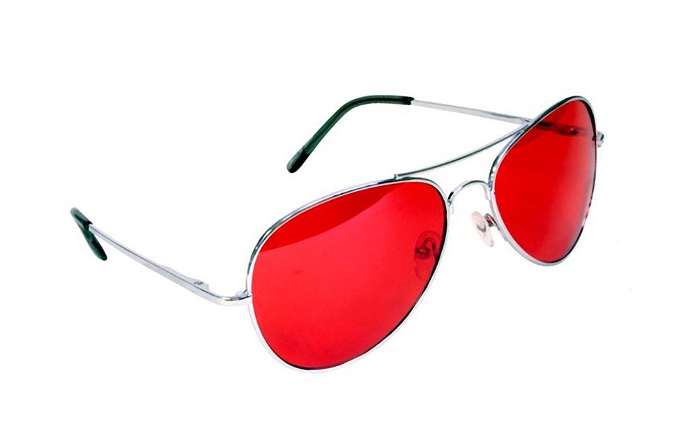 Стоит ли выбирать красные очки фото