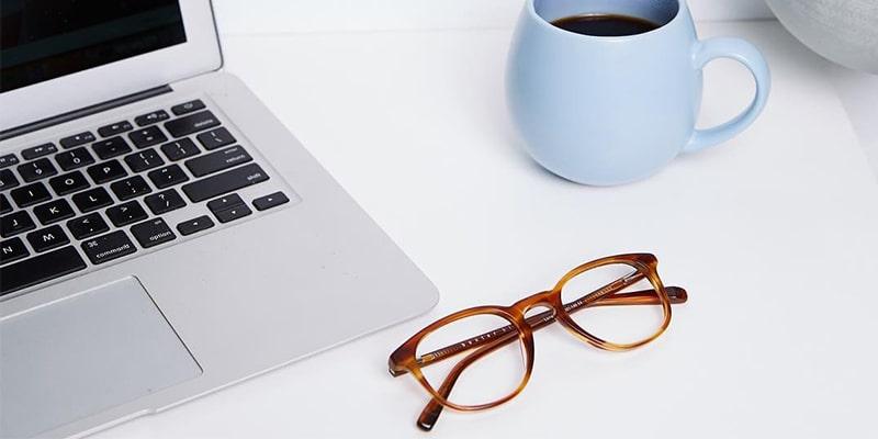 нужны ли специальные очки для компьютера картинка