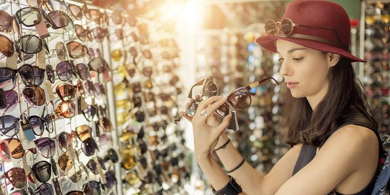 модные солнцезащитные очки этой весной картинка